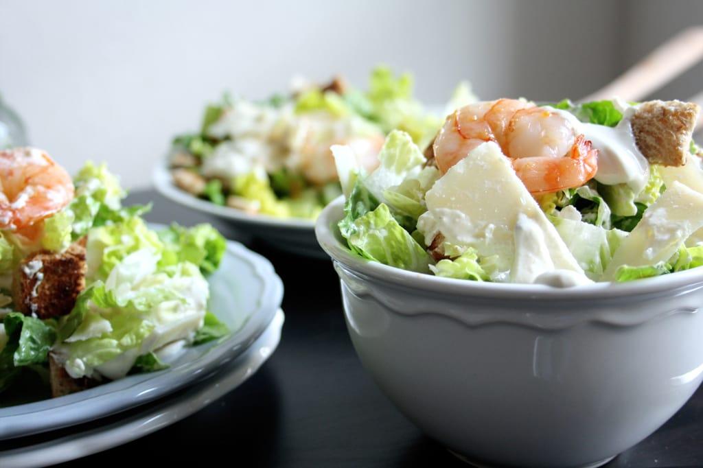 caesar salad mit parmesan croutons garnelen rezept auf carry on cooking. Black Bedroom Furniture Sets. Home Design Ideas