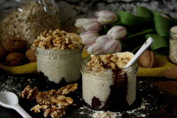 Oatmeal mit Schokolade, Banane & Walnüssen
