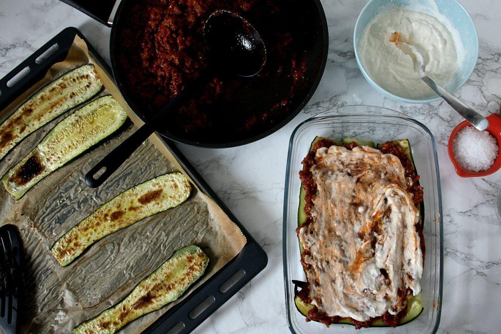 Zubereitung der Low-Carb Zucchini-Lasagne