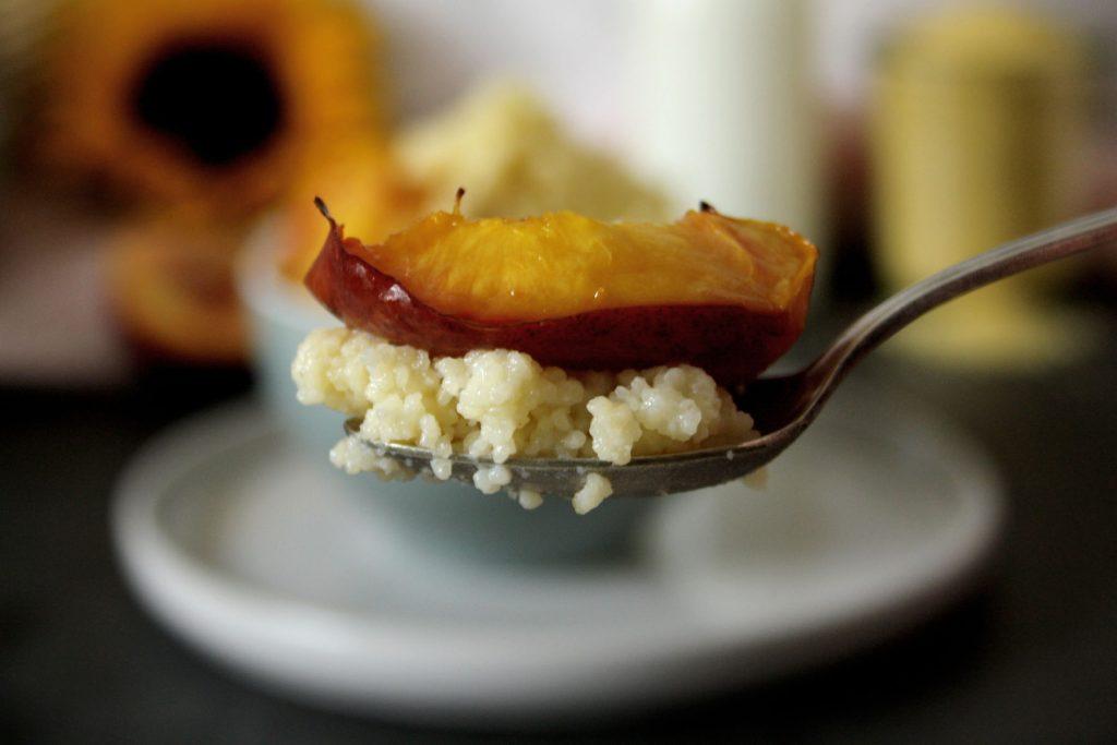 Süßer Couscous mit gegrillten Nektarinen