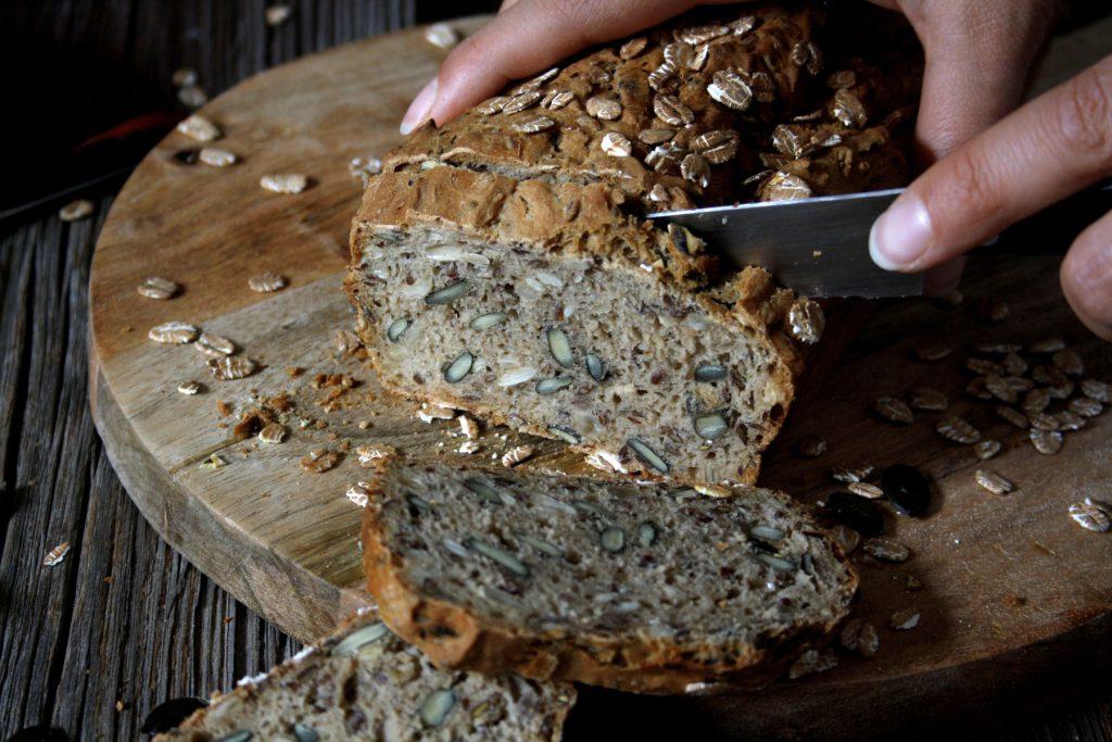 Schnelles Brot mit Kernen & Samen