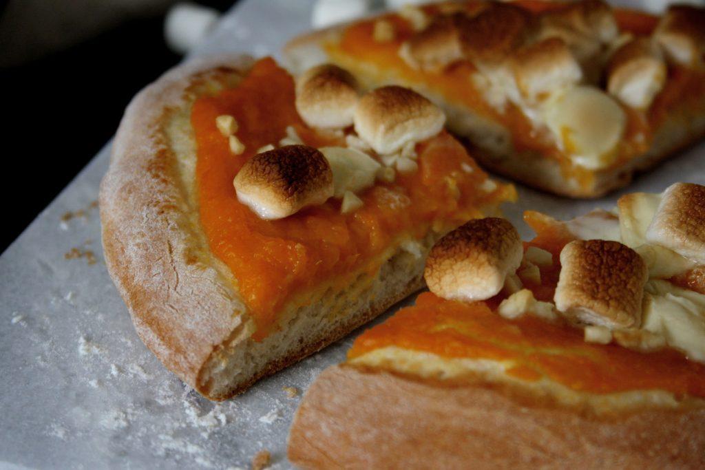 Süße Pizzetti mit Kürbiscreme & Marshmallows