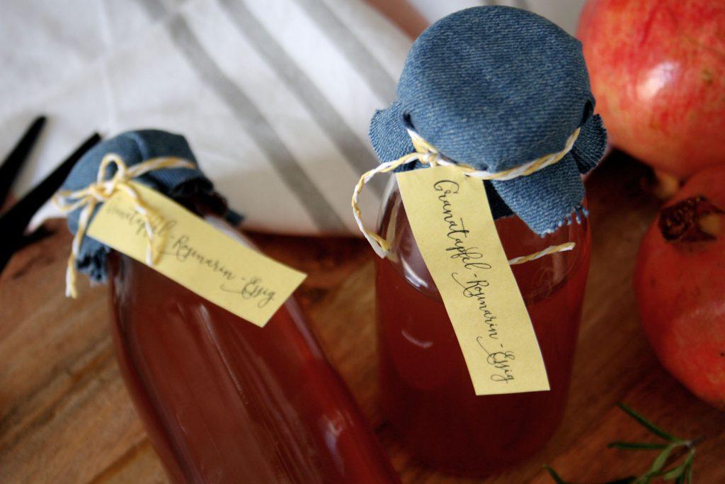 Granatapfel-Rosmarin-Essig