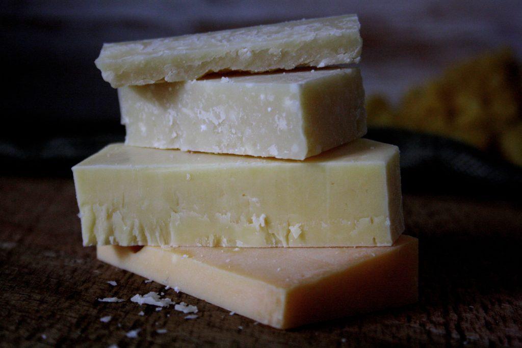 Käse für Pumpkin Mac'n'Cheese mit dreierlei Käse