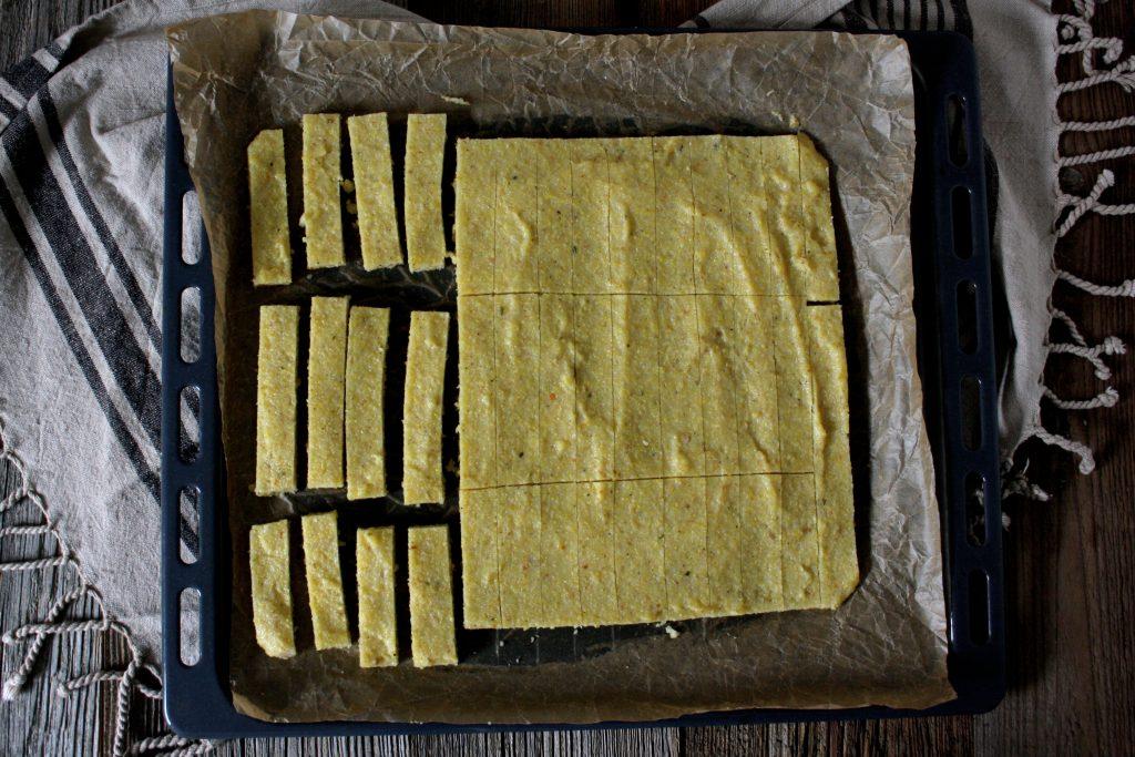 Knusprige Polenta-Pommes mit Avocado-Aioli