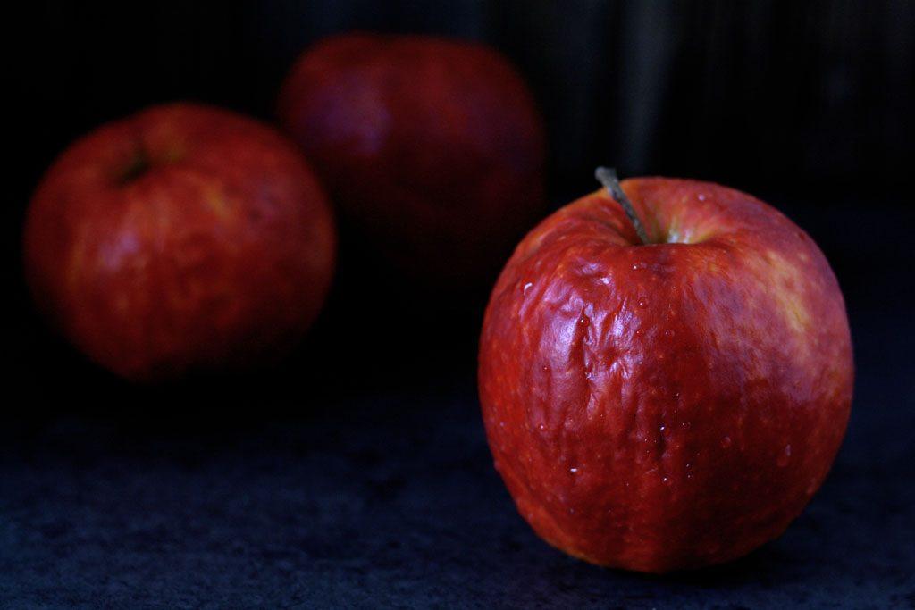 Alte Äpfel sind perfekt für die Füllung der Apfel-Zimt-Schnecken