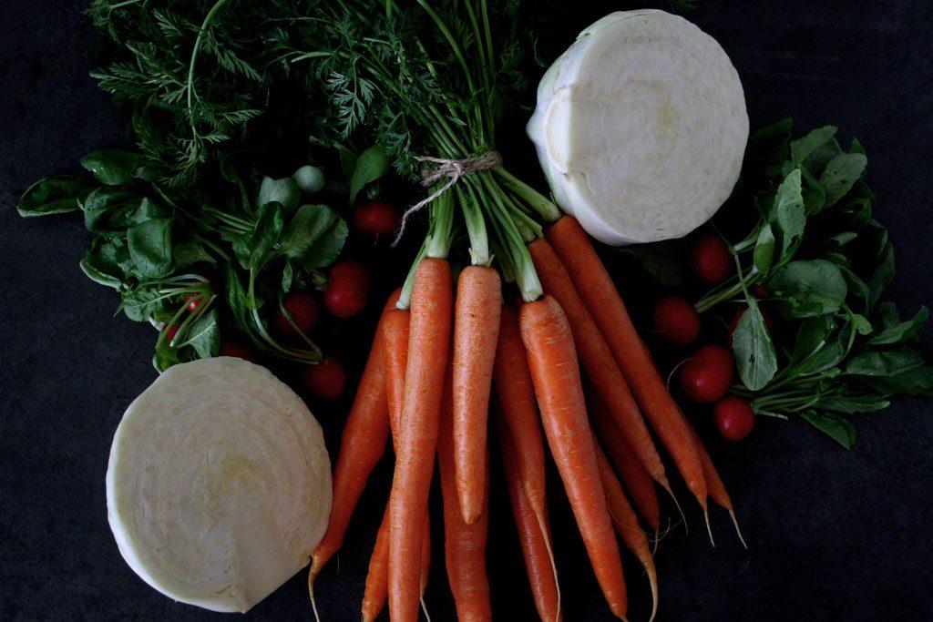 Zutaten für bunten Krautsalat