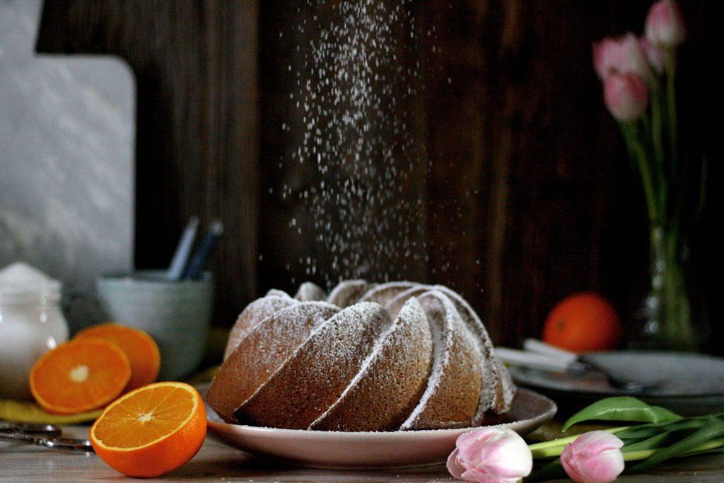 Saftiger Orangen-Gugelhupf