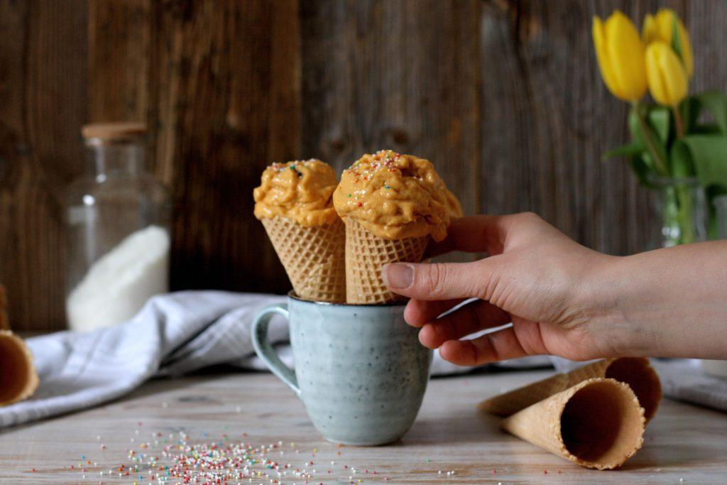 Veganes Süßkartoffeleis ohne Eismaschine