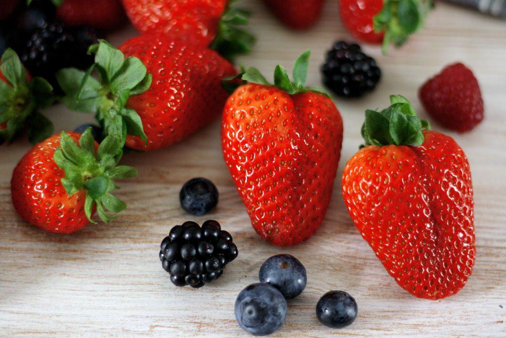 Erdbeeren, Heidelbeeren, Brombeeren & Himbeeren