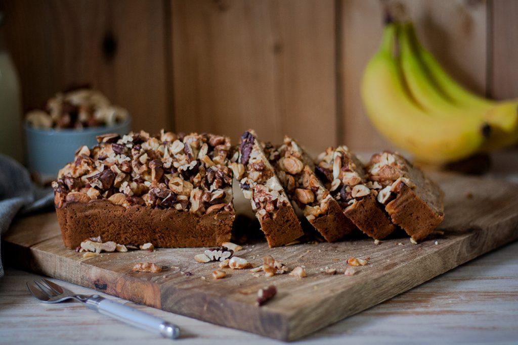 Veganes Bananenbrot mit Nüssen