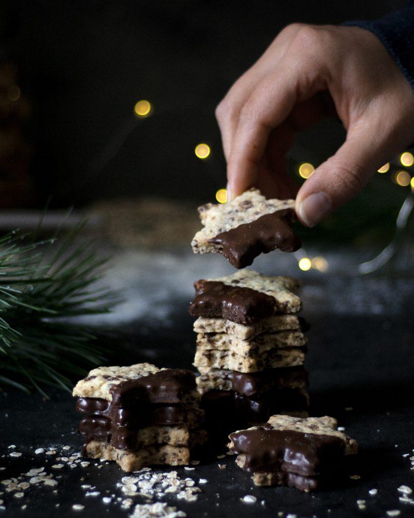 Vegane Schoko-Hafer-Plätzchen zu Weihnachten