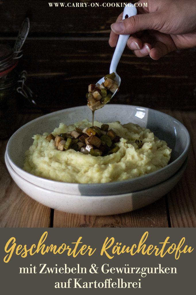 Pinterest Pin Kartoffelbrei mit Räuchertofu, Gurke und Zwiebeln vegan