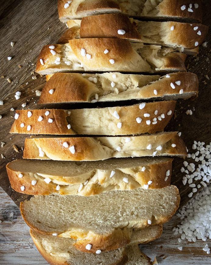 Bereit für's Frühstück: Veganer Hefezopf