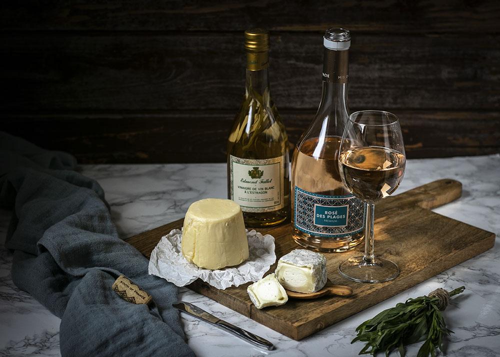 Salzbutter, Ziegenkäse, Estragonessig & Roséwein: Feine Zutaten aus Frankreich