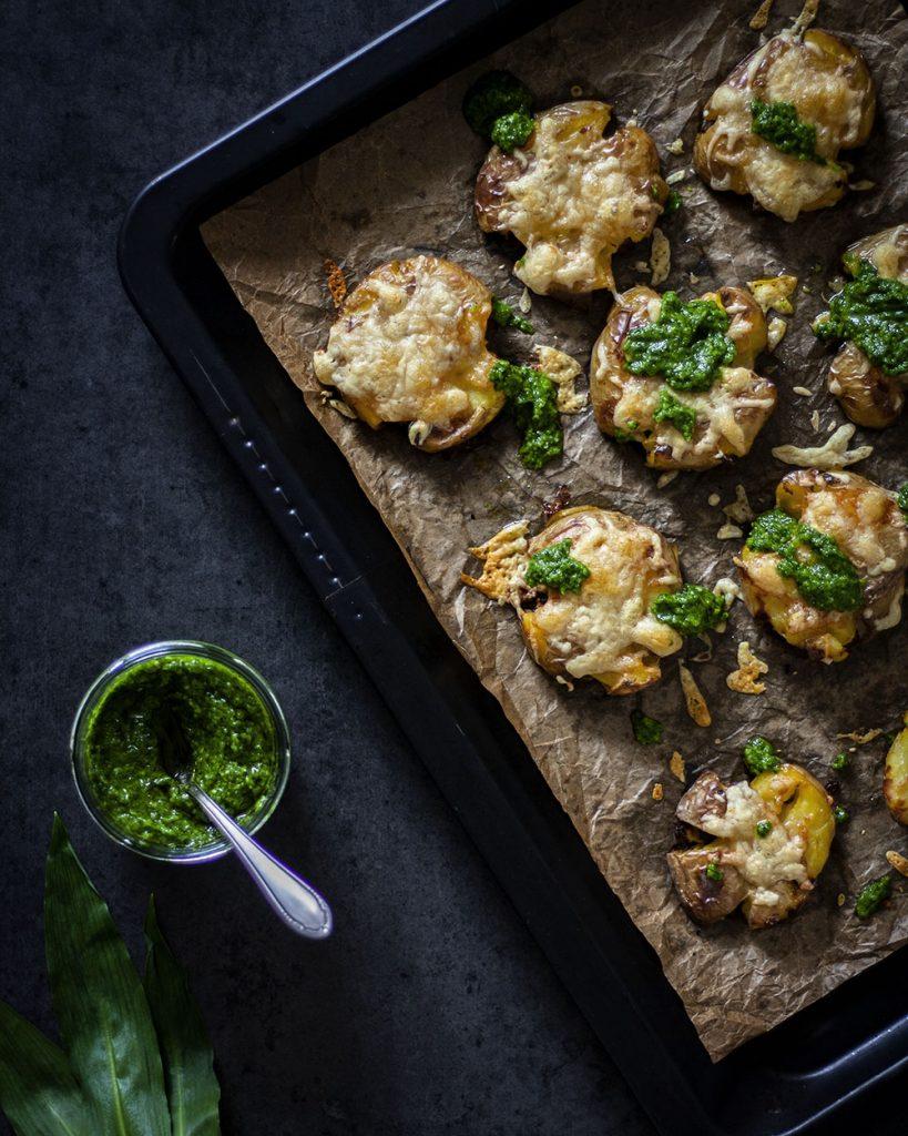 Bärlauch als Pesto - perfekt zu knusprigen Kartoffeln aus dem Ofen