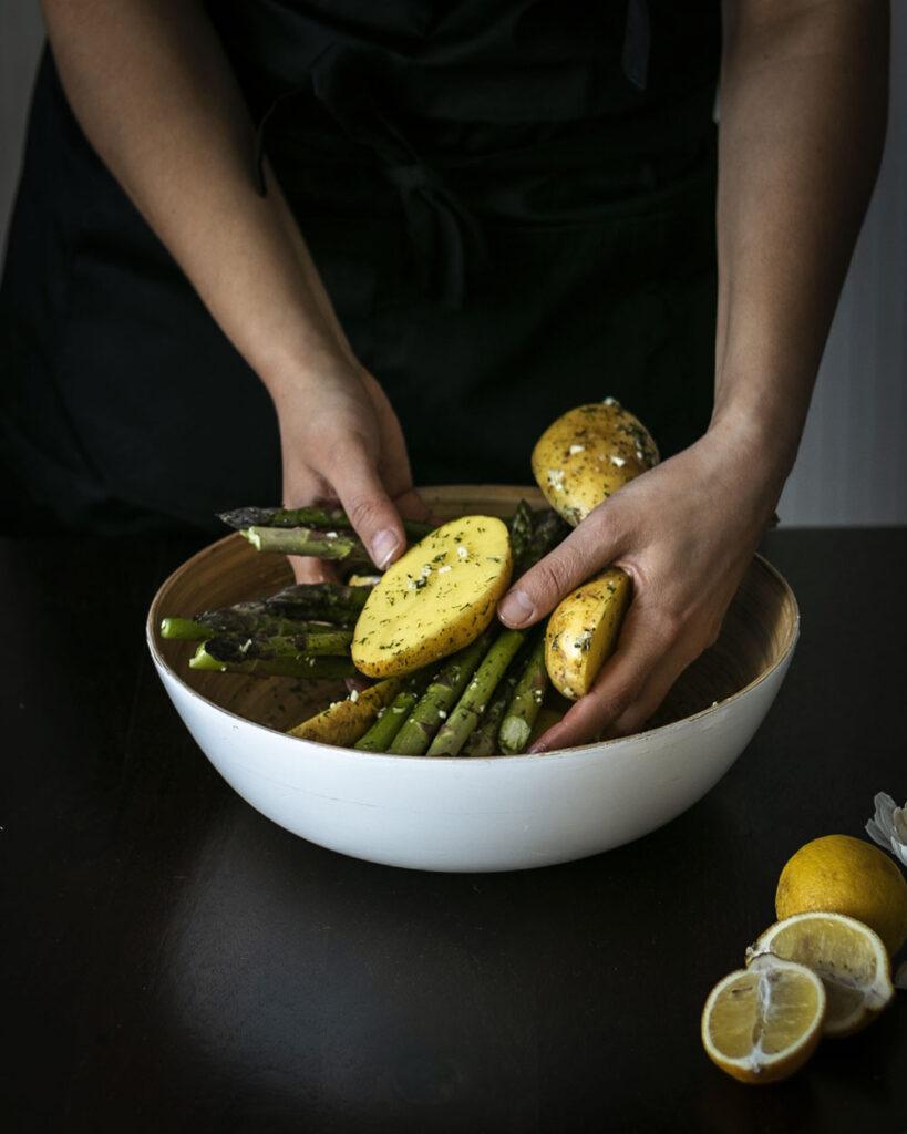 Knoblauch, Zitrone & Dill: Eine frische Marinade für Spargel & Kartoffeln