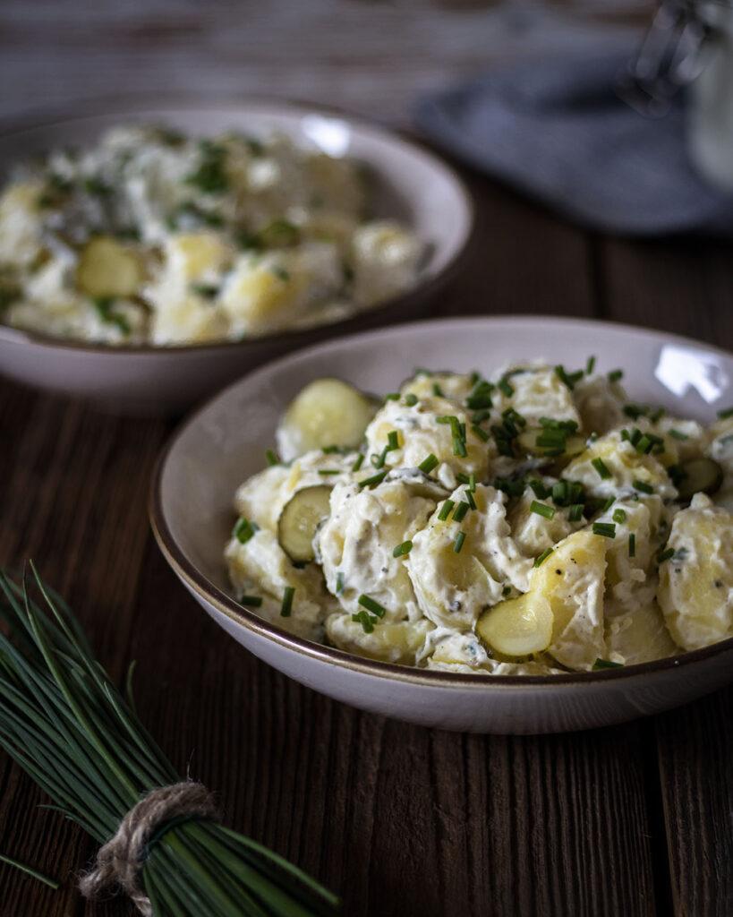 Der Salatklassiker geht auch ohne tierische Produkte - Kartoffelsalat mit selbstgemachter Mayonnaise