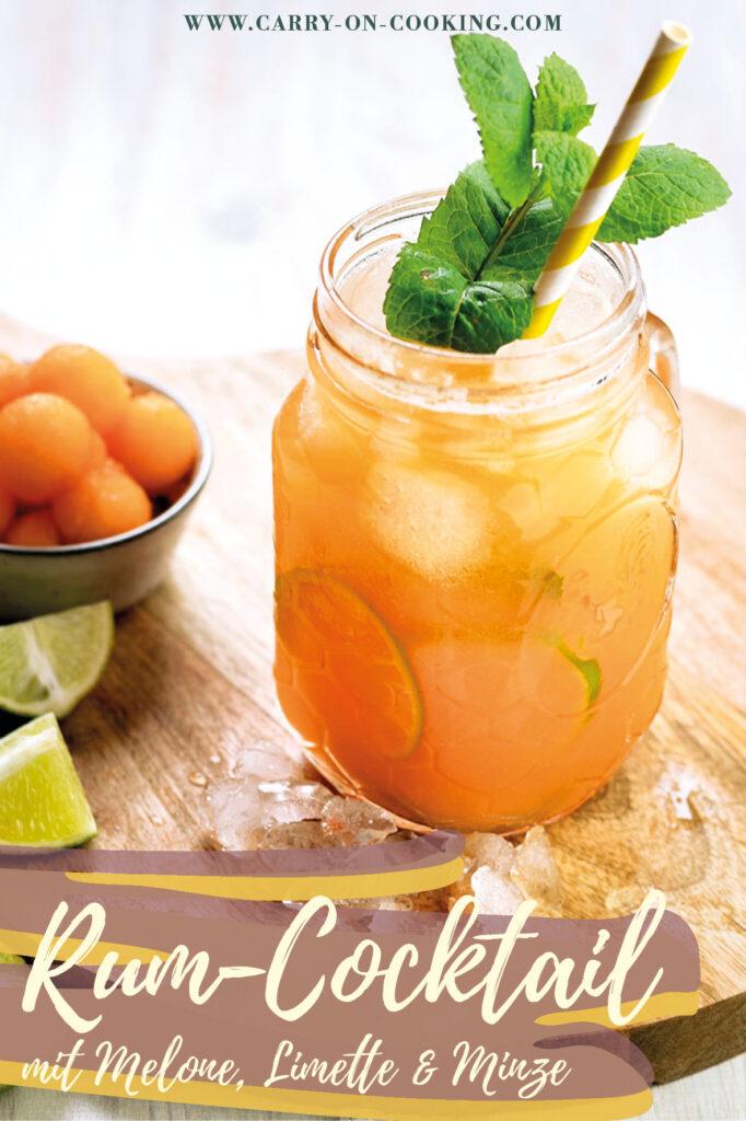 Gleich auf deine Pinterest-Pinwand pinnen: Rezept für erfrischenden Melone-Rum-Cocktail