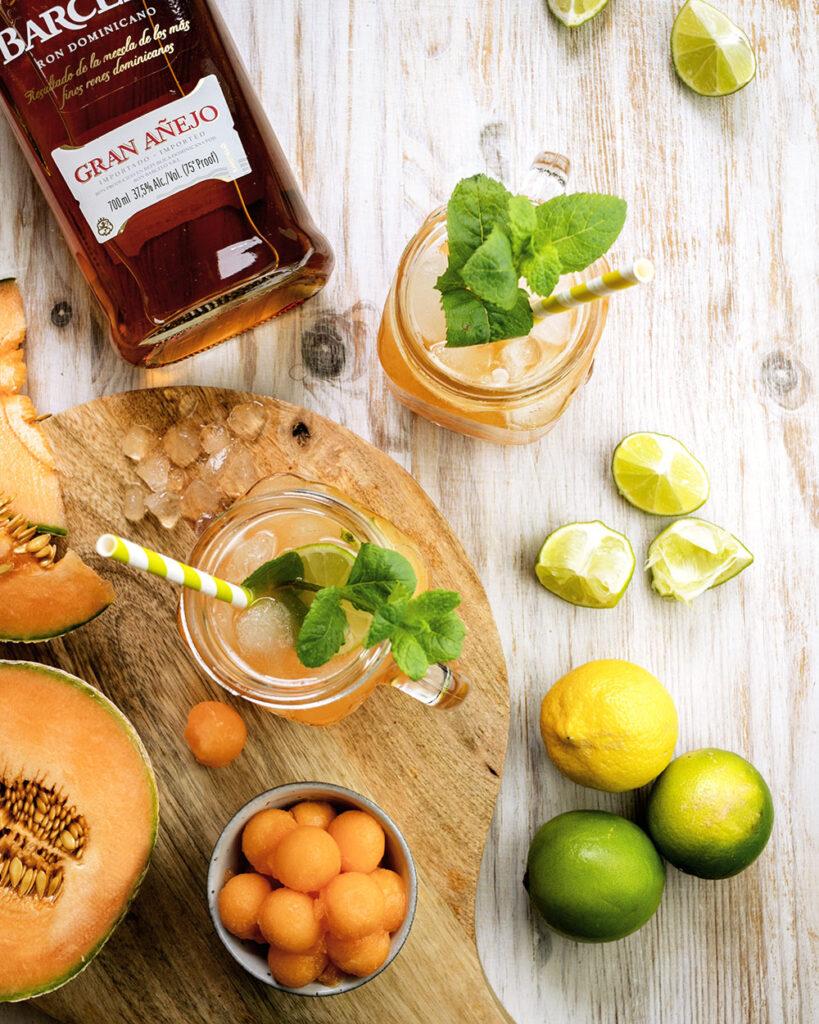 Mit diesem erfrischenden Melone-Rum-Cocktail geht die Sonne auf