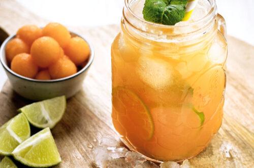 Melone, Minze, Limette, Rum: mit 4 Zutaten mixt Ihr Euch einen erfrischenden Melone-Rum-Cocktail