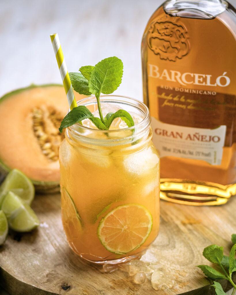 Barceló Rum aus der Karibik gemixt mit Melone & Limette
