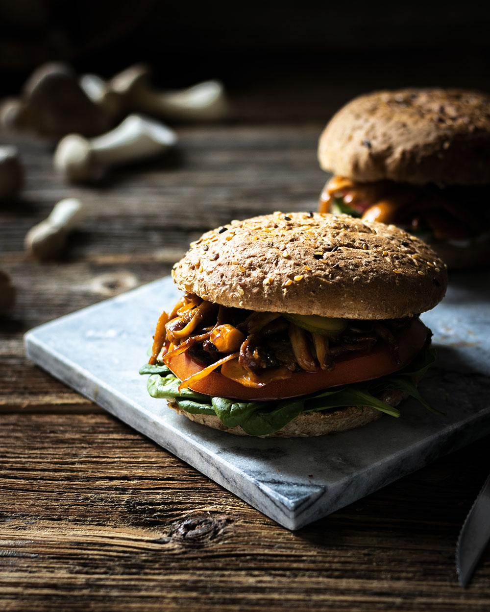 Burger geht auch vegetarisch mit diesem herzhaften Veggie-Burger