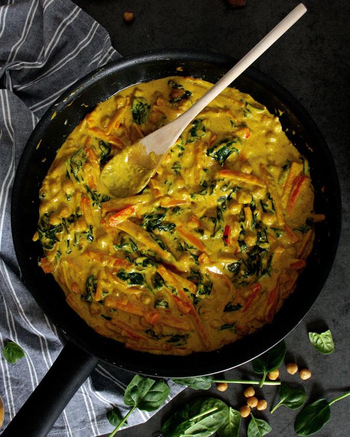 Mildes Spinat-Kichererbsen-Curry