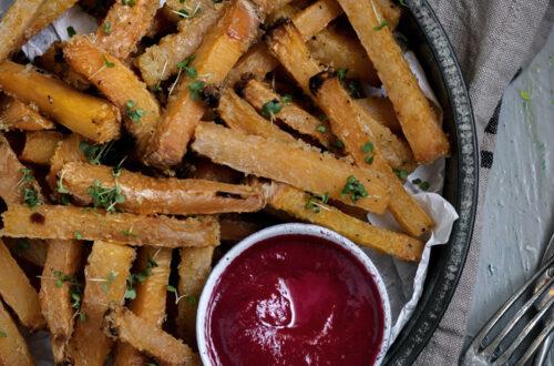 Gemüseliebe: Steckrüben-Pommes mit Rote-Bete-Ketchup
