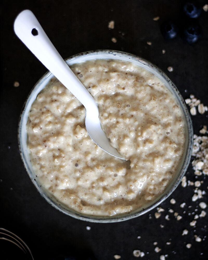 Grundrezept für veganes Porridge: Gesundes Porridge endlich selber machen