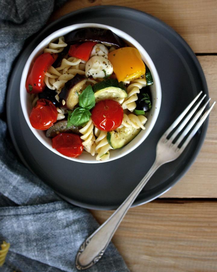 Antipasti-Nudelsalat für deinen Wochenplan KW6