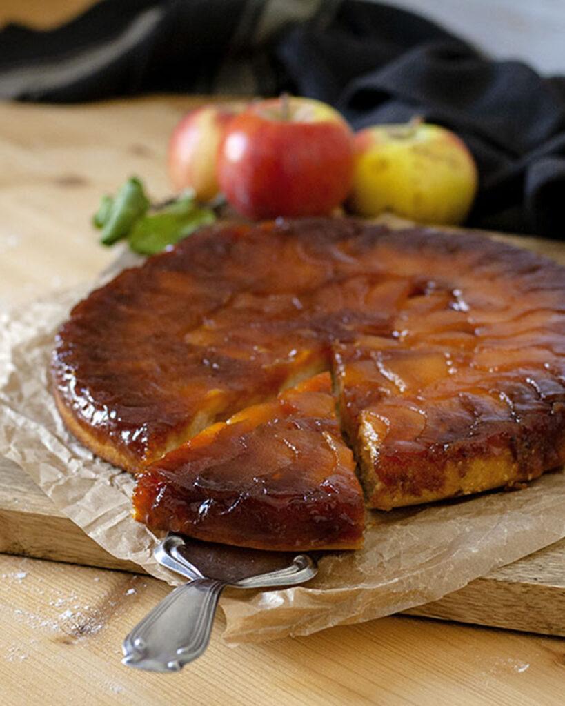 Gestürzter Apfelkuchen mit Karamell für deinen Wochenplan KW6