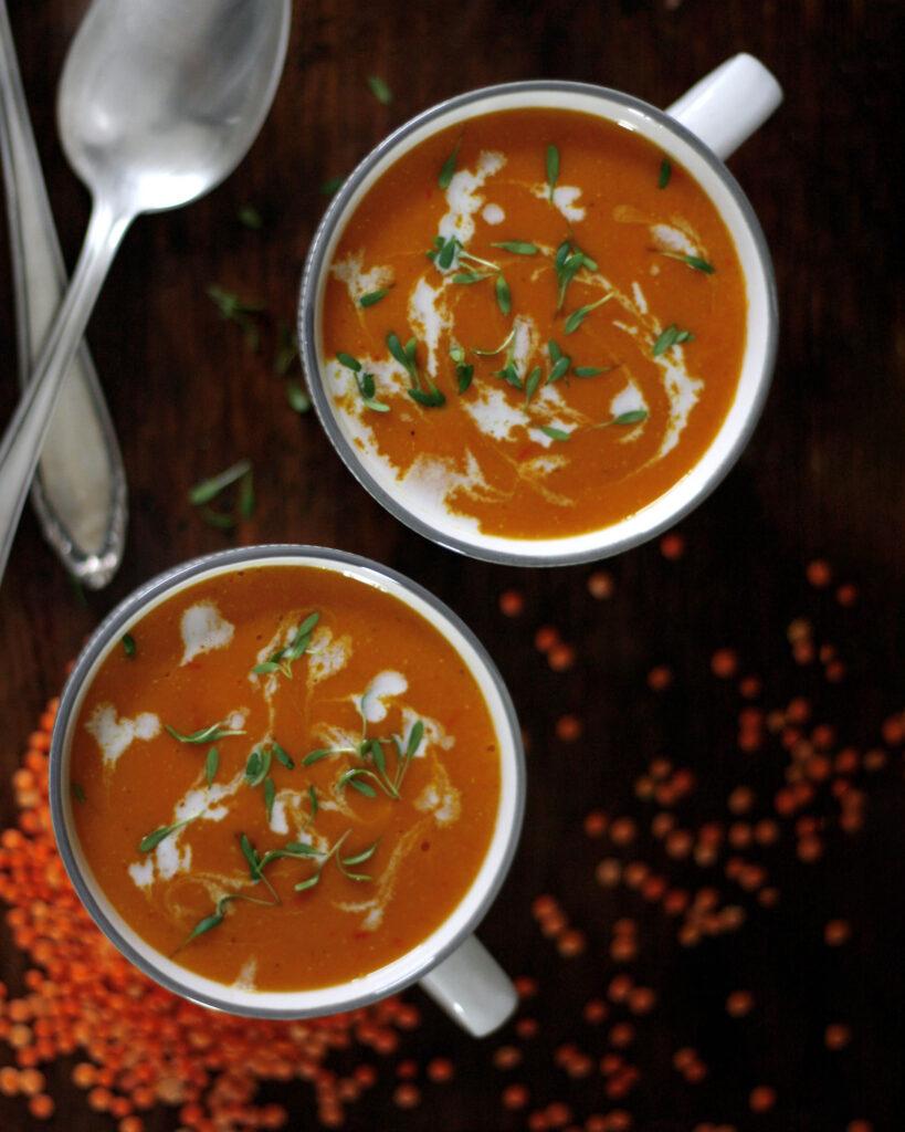 Fruchtige Orangen-Linsen-Suppe für deinen Wochenplan KW6