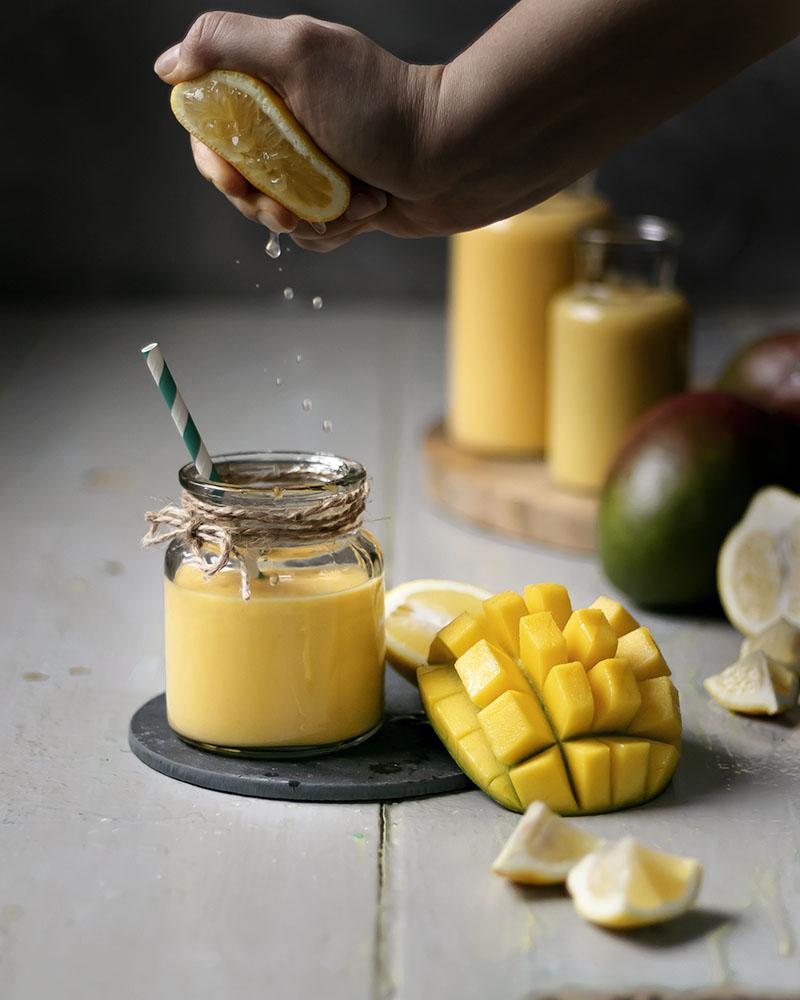 Leckerer Vitamin-Kick: Smoothie Rezept mit Mango & Zitrone