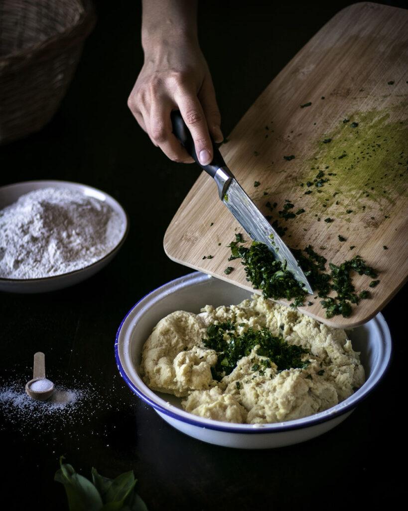 Vegane Bärlauch-Gnocchi: Ein tolles veganes Bärlauchrezept für den Frühling