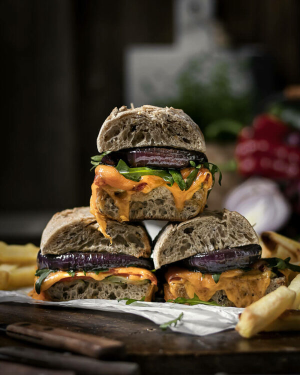 Selber machen lohnt sich - Vegetarisch belegtes Baguette mit Ofengemüse, geschmorten Zwiebeln & geschmolzenem Käse